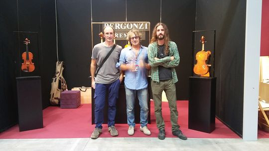Luis Artola, Ricardo Bergonzi y Pedro Soldevilla (alumno BELE)